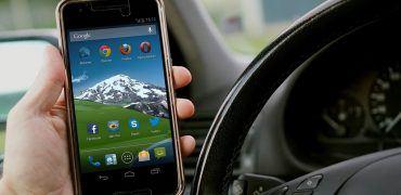 mobile-phone-1573275_1280