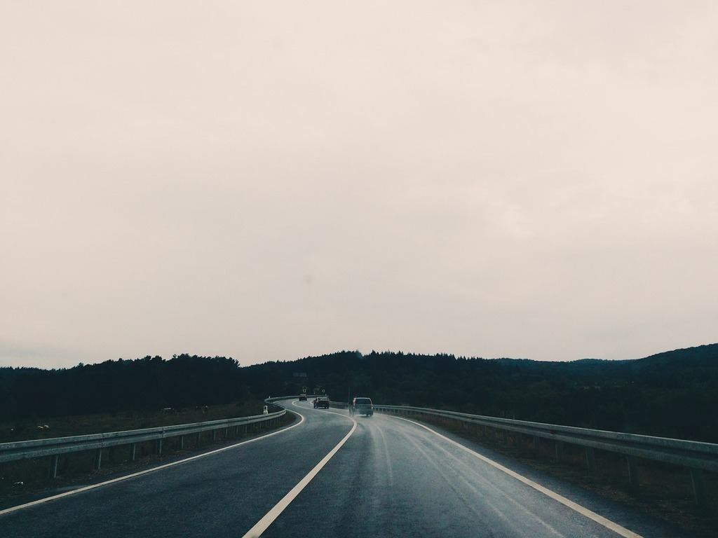 roadway-1149529_1280