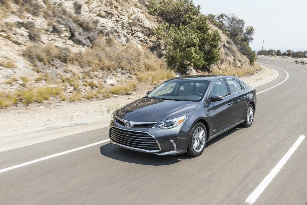 2017 toyota avalon hybrid limited review. Black Bedroom Furniture Sets. Home Design Ideas