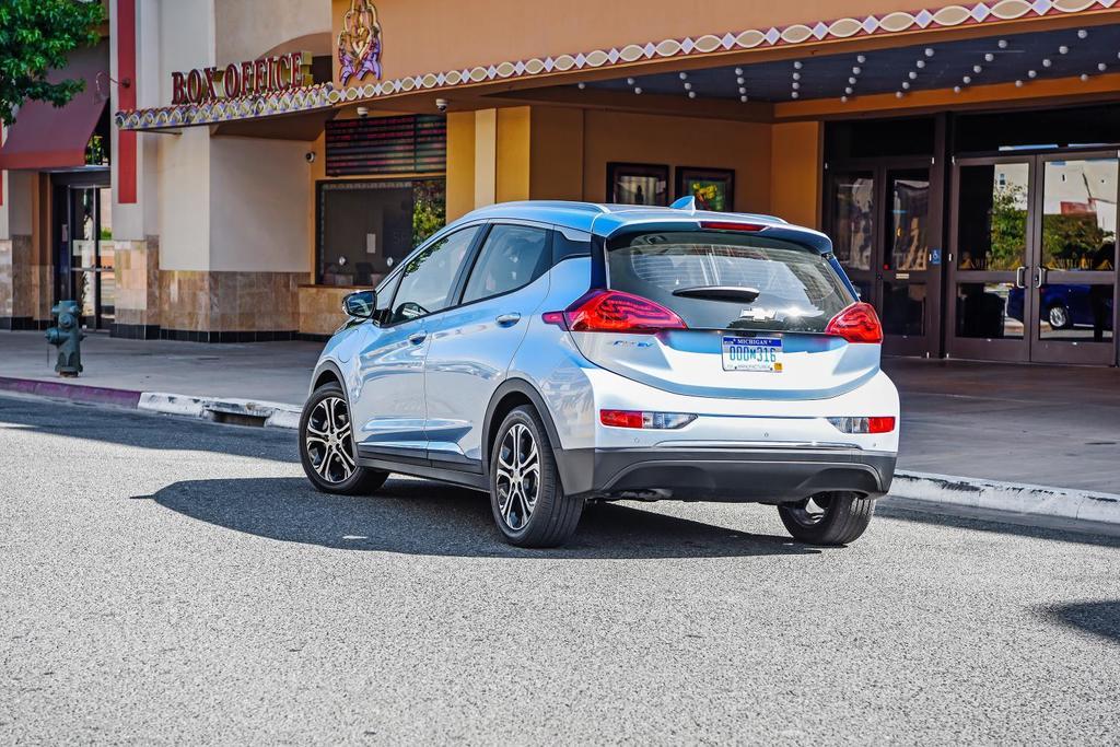2017 Chevrolet BoltEV 043