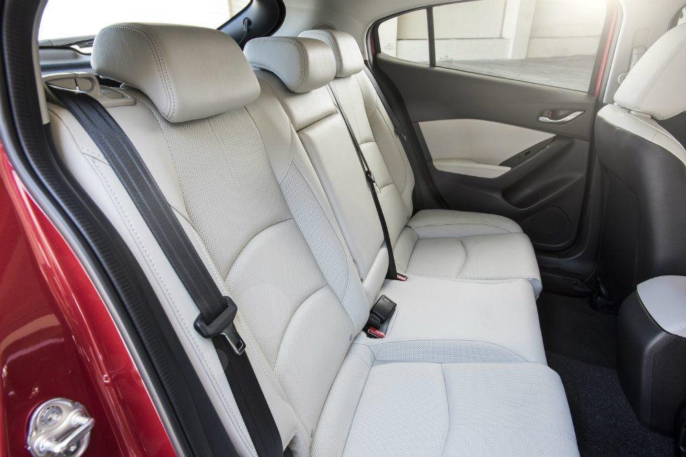 2017 Mazda3 29