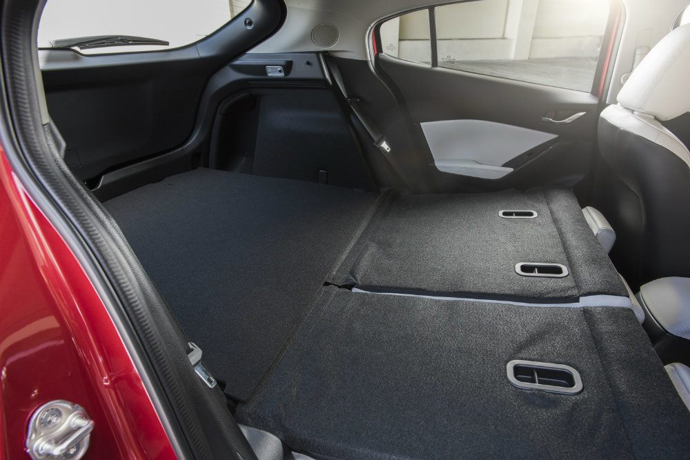 2017 Mazda3 31