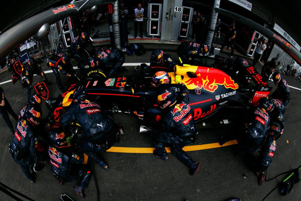 Max Verstappen of the Netherlands driving the (33) Red Bull Racing Red Bull-TAG Heuer RB12 TAG Heuer makes a pit stop for new tyres during the Formula One Grand Prix of Belgium at Circuit de Spa-Francorchamps on August 28, 2016 in Spa, Belgium (Photo by Mark Thompson/Getty Images)