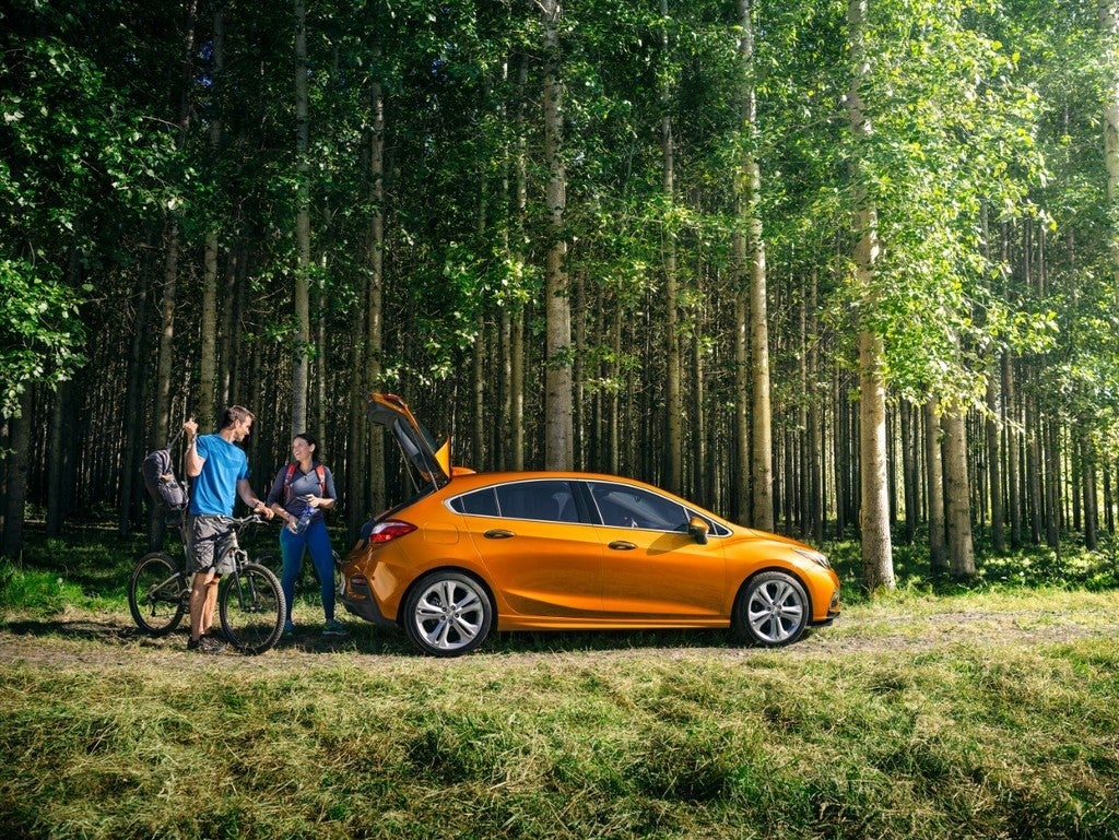 2017 Chevy Cruze Hatchback Premier Review