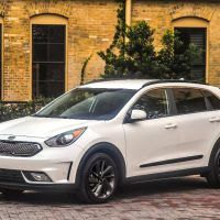 2017 kia niro hybrid touring review. Black Bedroom Furniture Sets. Home Design Ideas