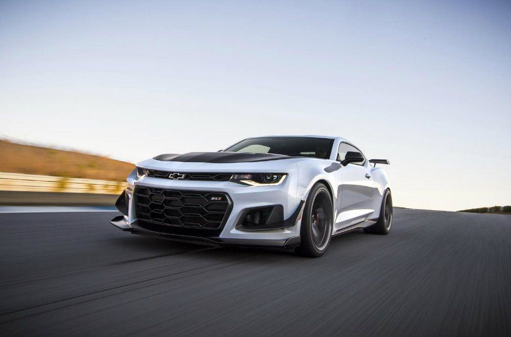 2018 Camaro ZL1 1LE: Hang On, This Thing Is Fast