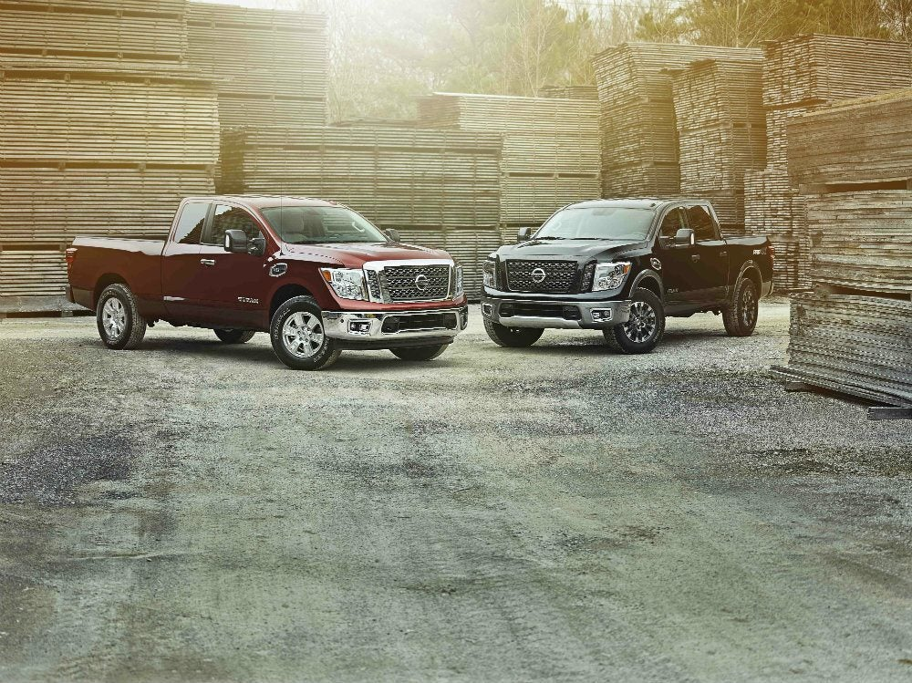 Embargoed until Feb 9 at 1130am ET 2017 TITAN King Cab Crew Cab comparo 2