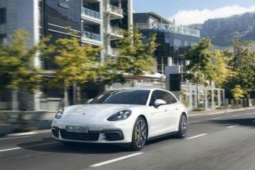Porsche Panamera 4 E Hybrid Sport Turismo front three quarter