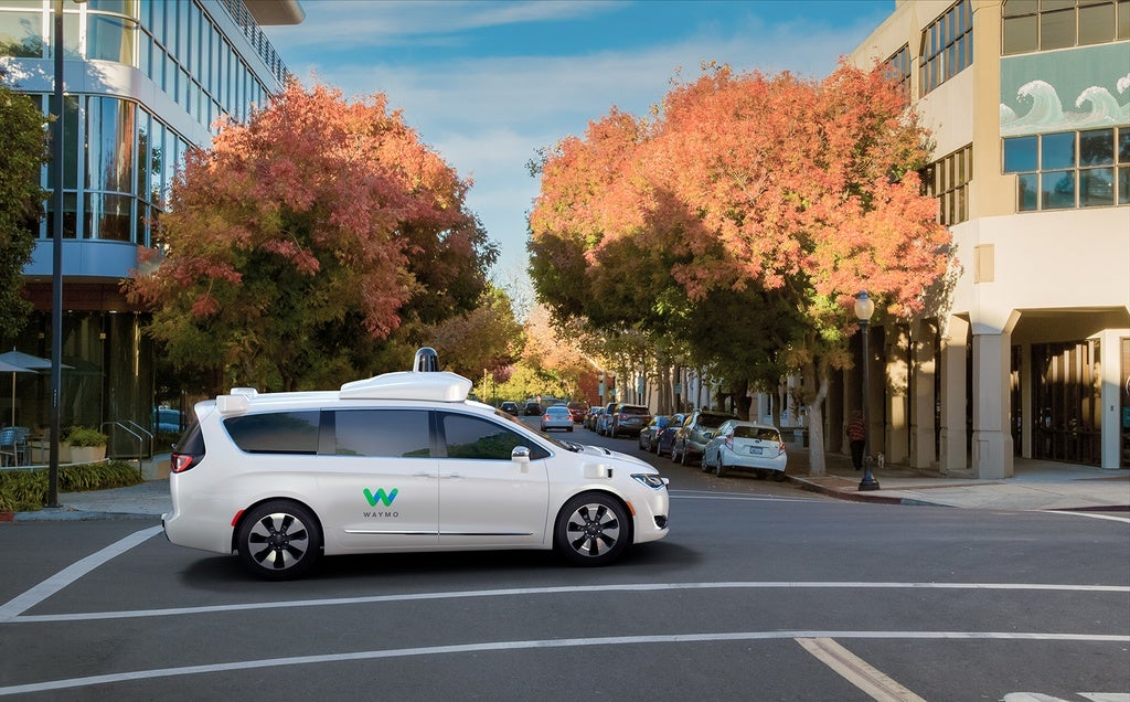 Waymo Expands Self-Driving Program With FCA, Seeking Applicants
