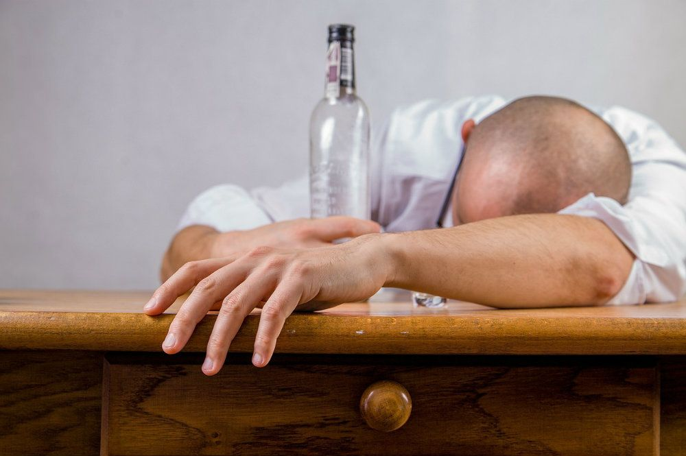 alcohol 428392 1280