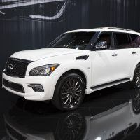 infiniti announces pricing for 2017 qx80 signature edition 2018 qx30. Black Bedroom Furniture Sets. Home Design Ideas