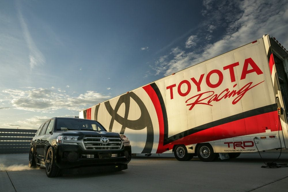 Toyota Land Cruiser Seizes World's Fastest SUV Title 16