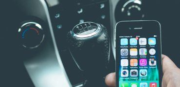 smartphone 1285344 1280 370x180 - Texting And Driving: Is Tech Our Solution?