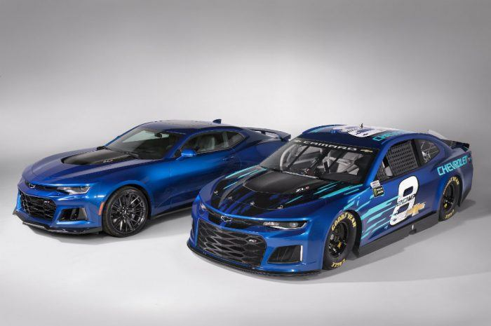 2018 Chevrolet Camaro Zl1 Goes Nascar on antique muscle cars