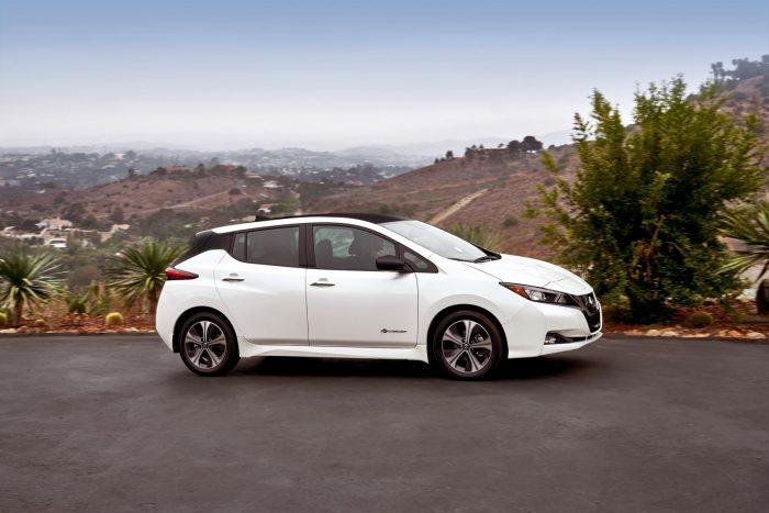 2018 Nissan LEAF US 09