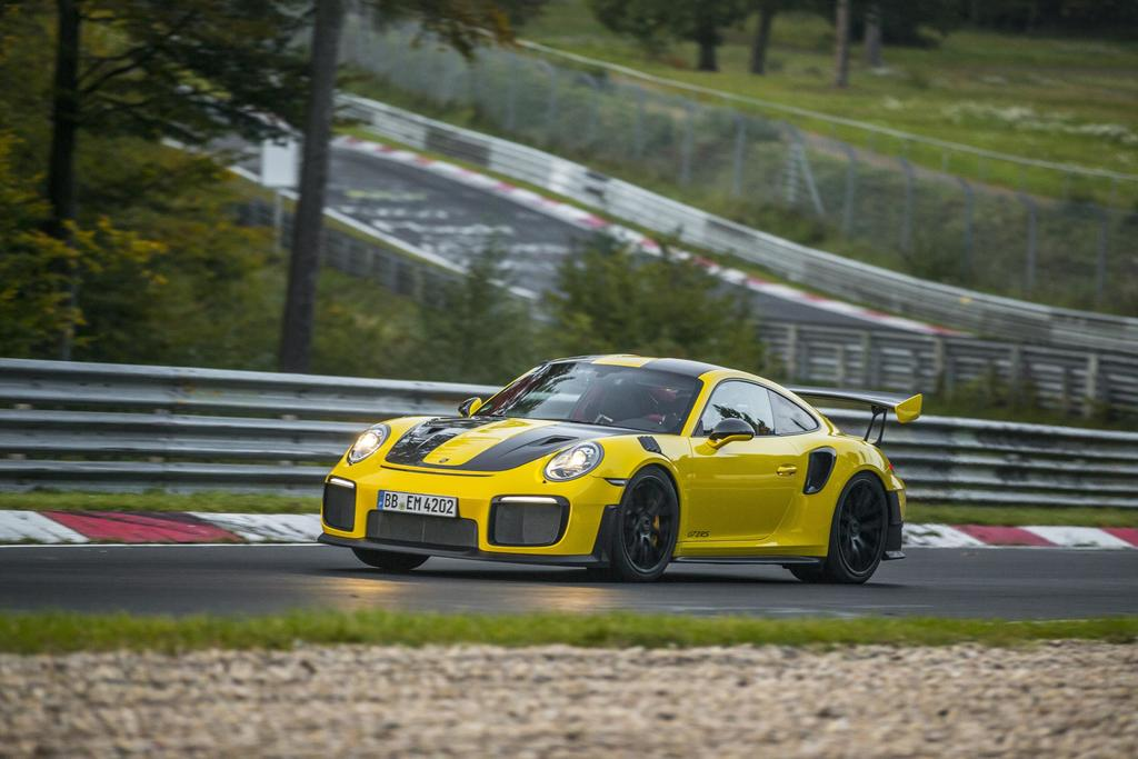 Porsche 911 GT2 RS Fastest 911 Ever With Staggering Nürburgring Lap