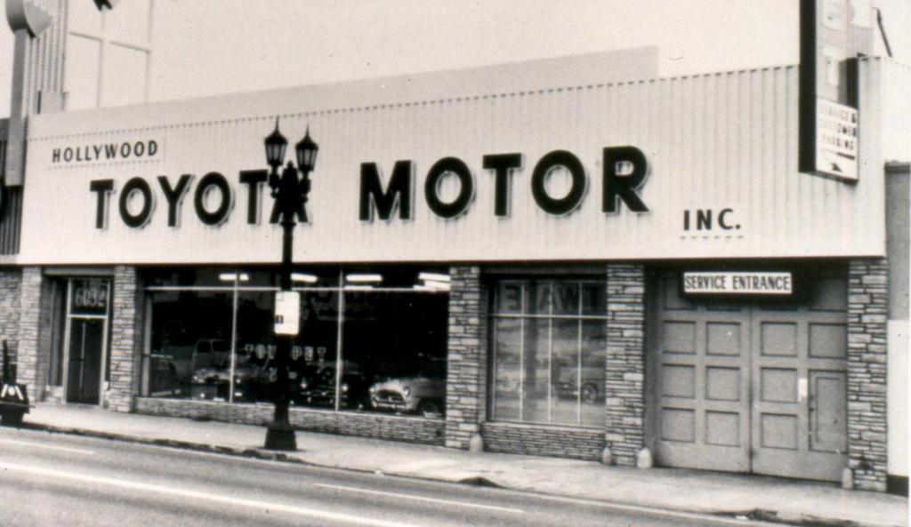 1957 1st Toyota HQ E84C6CB39B8CDB558D07BED6B24C1807274E7644