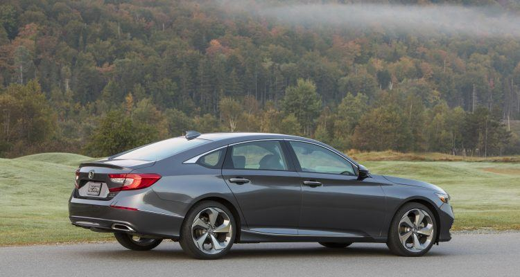 2018 honda accord 2 0t arrives most powerful accord yet. Black Bedroom Furniture Sets. Home Design Ideas