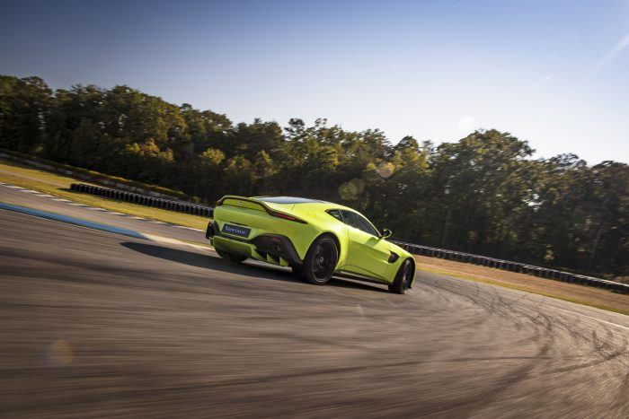 Aston Martin Vantage Lime Essence 03