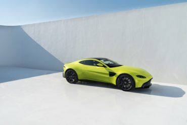 Aston Martin Vantage Lime Essence 10