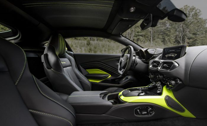 Aston Martin Vantage Lime Essence 16