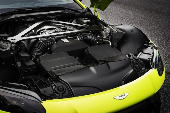 Aston Martin Vantage Lime Essence 23