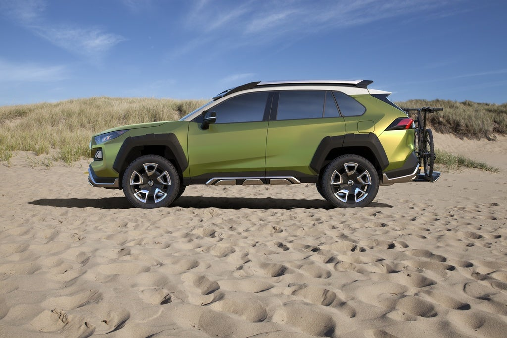Future Toyota Adventure Concept: The Off-Road Autobot