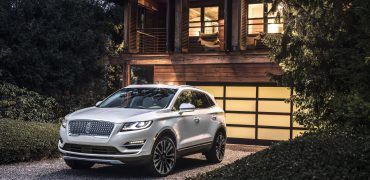 19Lincoln MKC 01 HR 370x180 - 2019 Lincoln MKC: Your Chariot Awaits