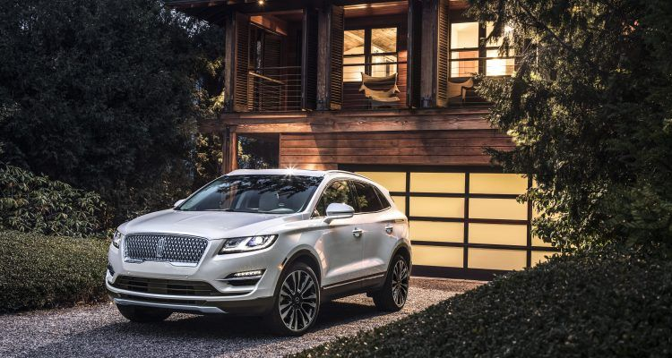 19Lincoln MKC 01 HR 750x400 - 2019 Lincoln MKC: Your Chariot Awaits