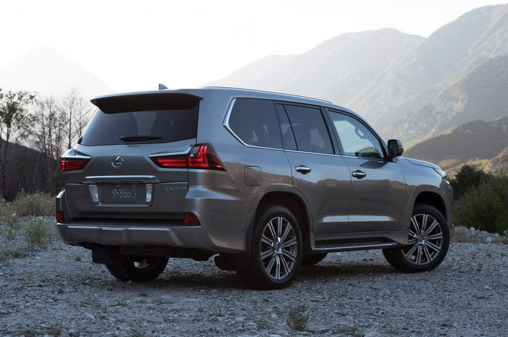 Lexus LX 570 Axes Third Row, Goes For Less Is More Approach