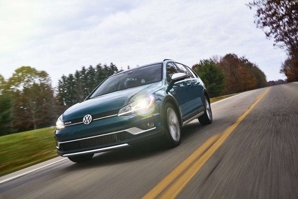 2018 Volkswagen Golf Alltrack SE Review