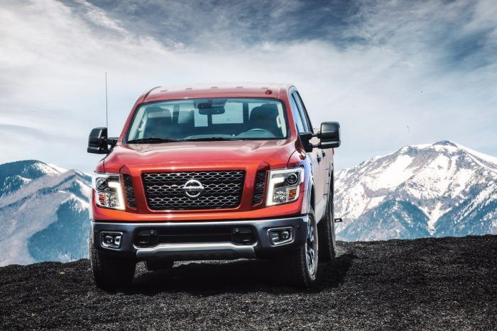 2018 Nissan TITAN Photo 2