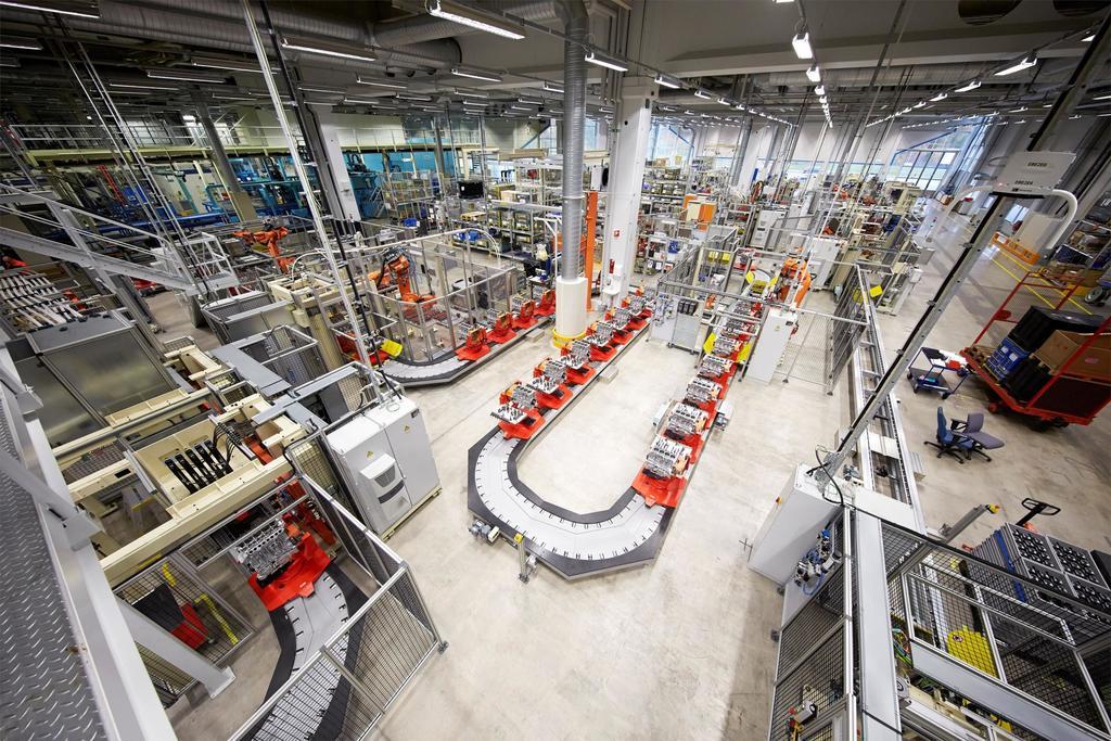 219337 Assembly in Volvo Cars engine factory in Sk vde Sweden