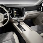223531 New Volvo V60 interior