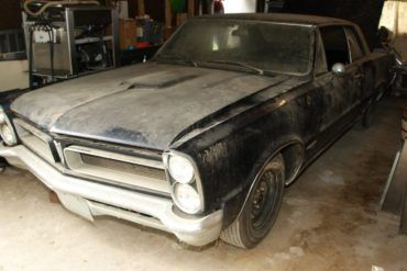 Automoblog Book Garage: Muscle Car Barn Finds 18
