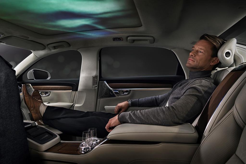 Volvo S90 Ambience Concept: Magic Carpet Ride 15