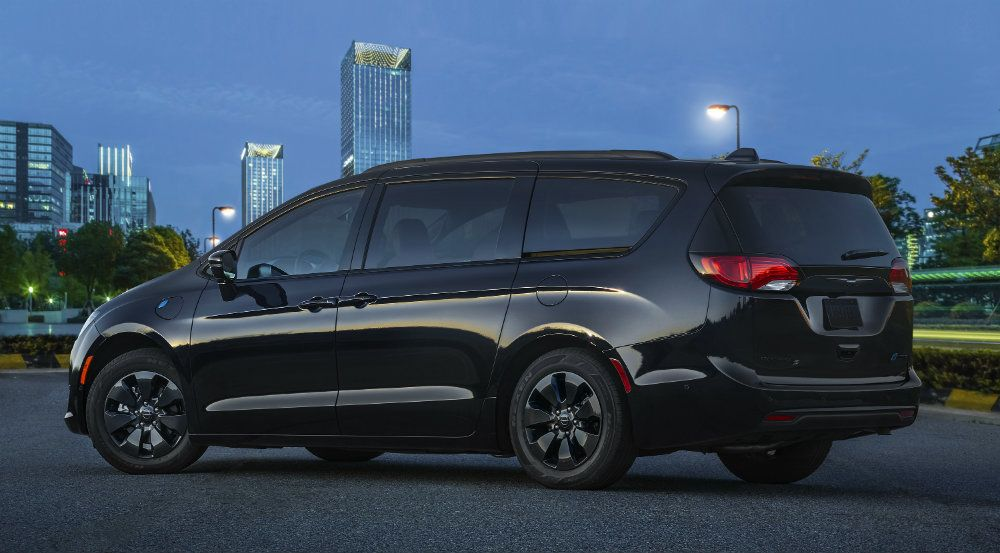 2019 Chrysler Pacifica Hybrid: New Appearance Package ...
