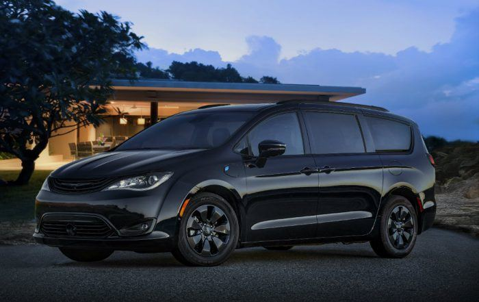 2019 Chrysler Pacifica Hybrid with S Appearance Package