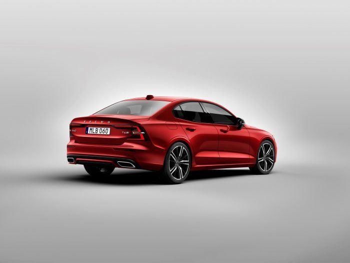 230892 New Volvo S60 R Design exterior