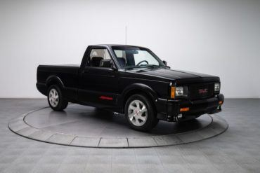 299515 1991 GMC Syclone low res