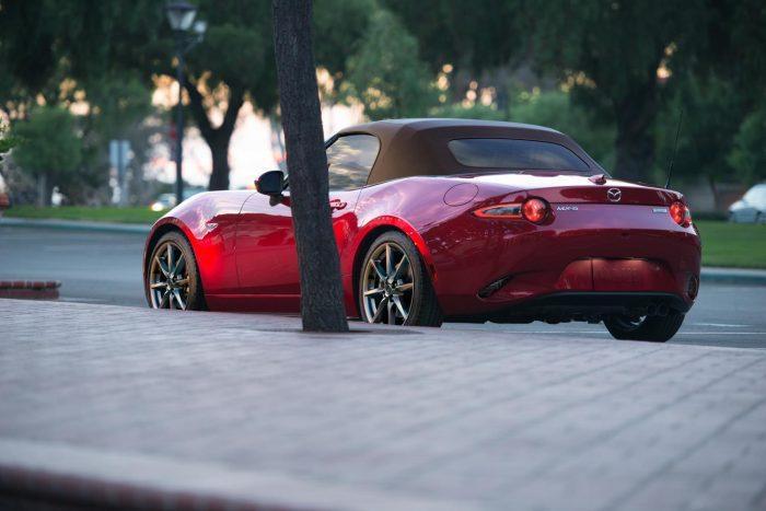 Mazda MX 5 Brown soft top US RQ