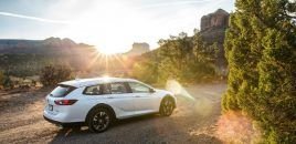 2018 Buick Regal TourX Essence Review