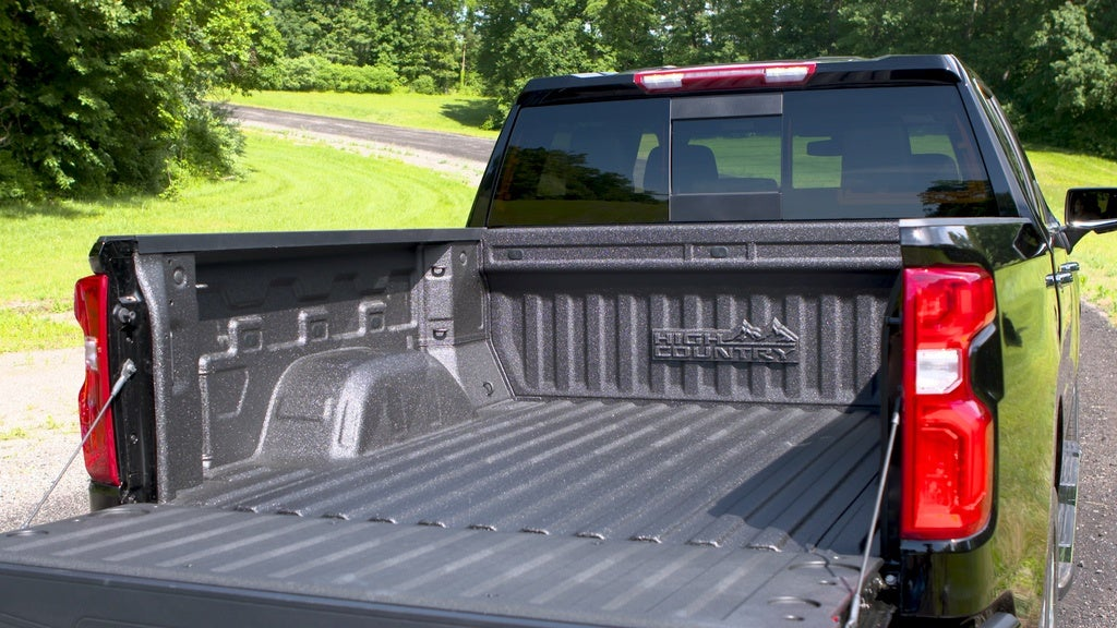 2019 Chevy Silverado 1500: I Like Big Beds & I Cannot Lie