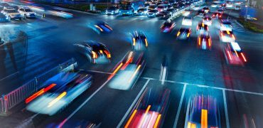Busy Traffic  370x180 - New Study Reveals The Most Dangerous Times To Drive