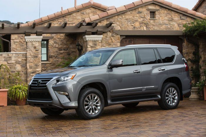 2018 Lexus GX 460 024 90906E83D02BBBB5C2571997EA07F92D370C9295 700x467 - 2018 Lexus GX 460 Luxury Review: Lots of Space, Off-Road Capability