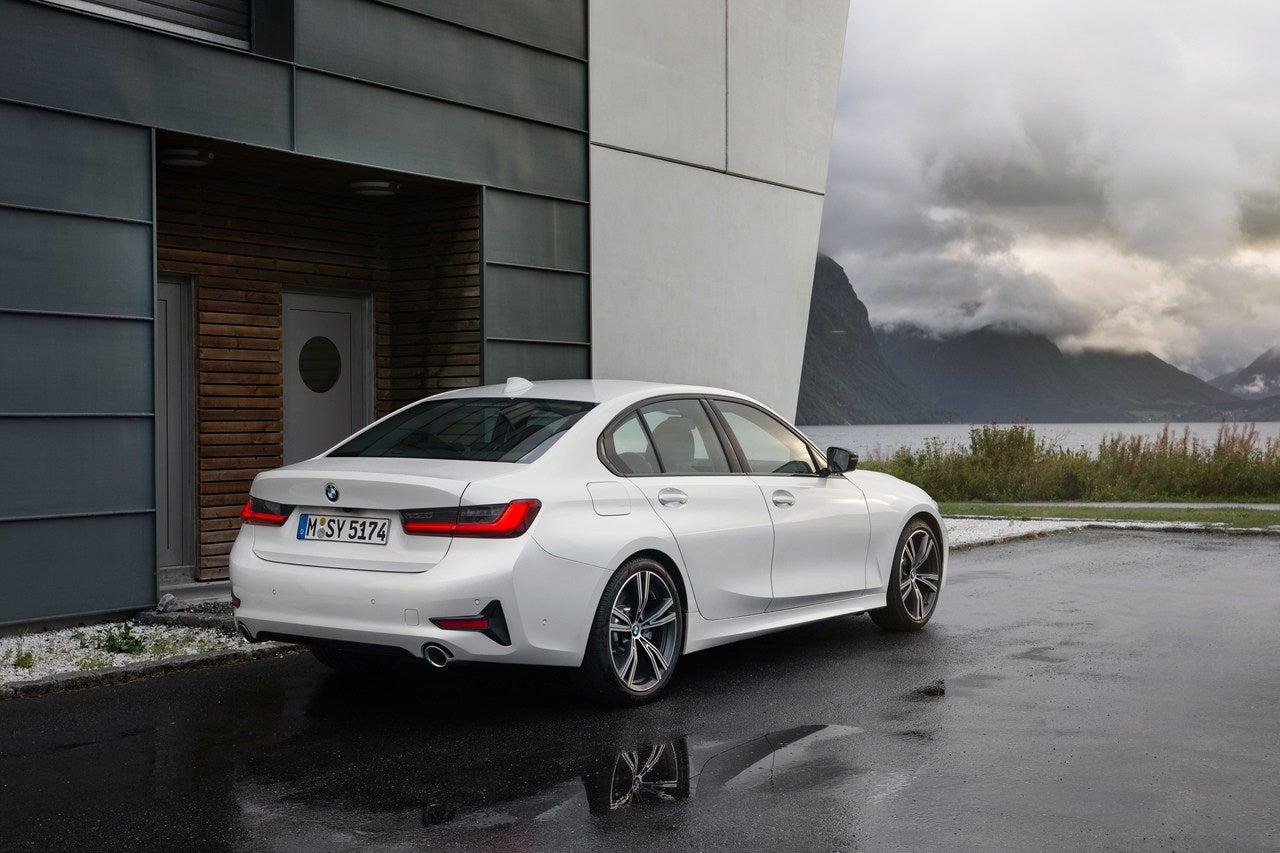 2019 Luxury Car Of The Year: 2019 BMW 3 Series: Luxury Car, Sports Sedan Or Both?