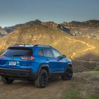 2019 Jeep Cherokee Trailhawk Review: Pavement Not Required