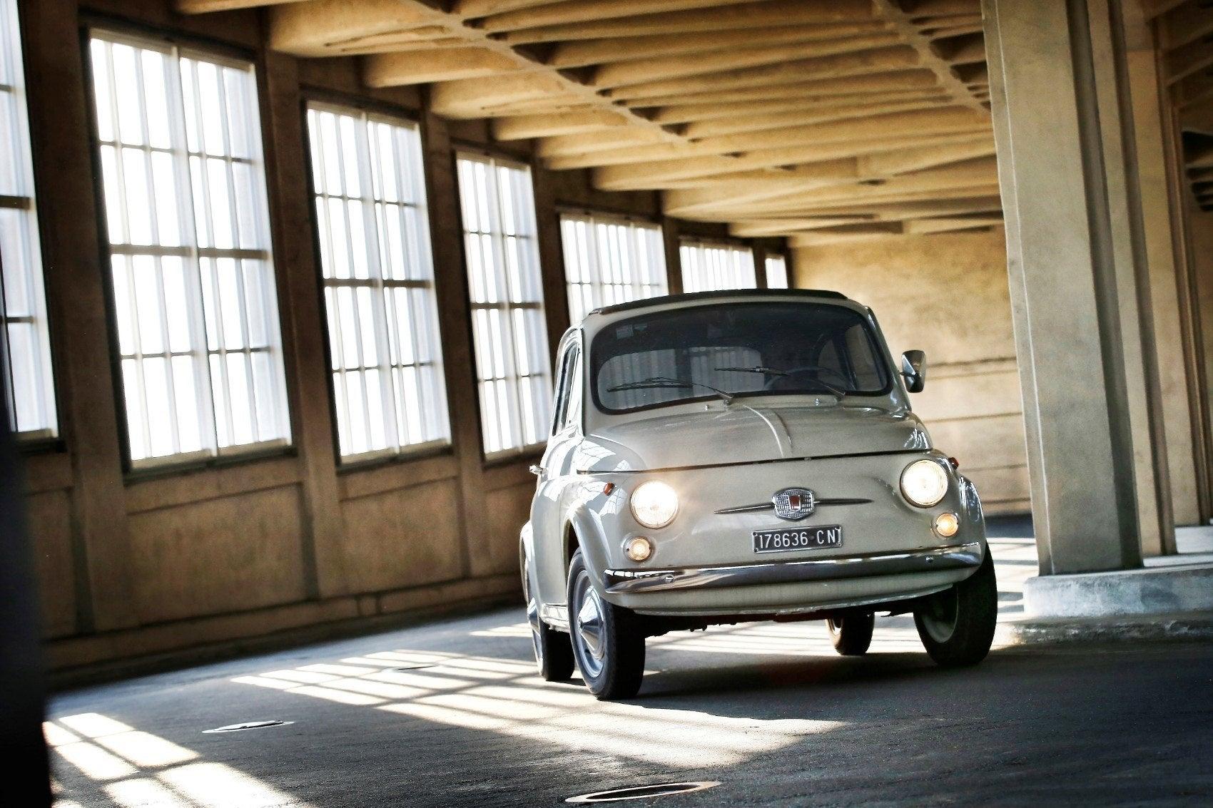 170704 Fiat 500F MoMA 01pj4vek4rj06p6b7nula31aihfc