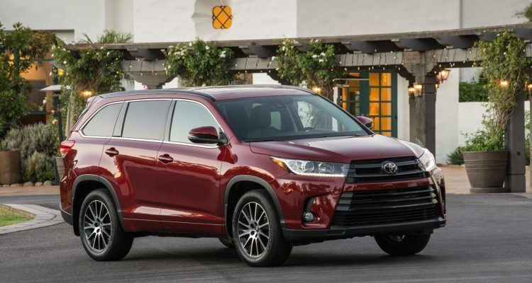 2018 Toyota Highlander SE 003 26C5DBAE1FF70CA3F7DC7FC0722E8B52F9E3481C 750x400 - 2019 Toyota Highlander SE Review: Ideal For Active Families
