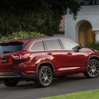 2018 Toyota Highlander SE 006 45E5800BF3C2103FD630A558CC4CAB22CF83BD76 200x200 - 2019 Toyota Highlander SE Review: Ideal For Active Families